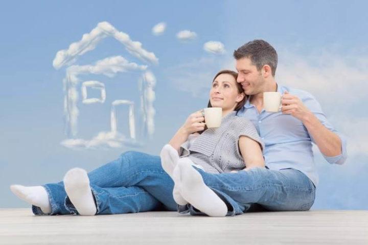 Пара мечтает о доме