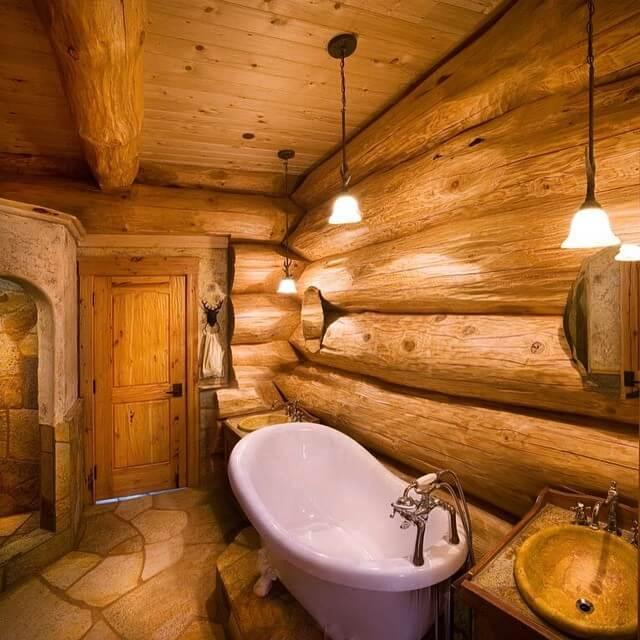 Деревянный дом с ванной комнатой